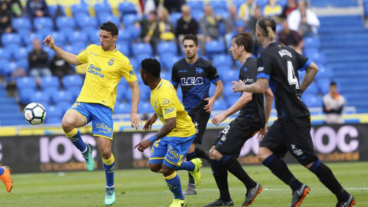 Las Palmas relegated from LaLiga after 4-0 home defeat to Alaves