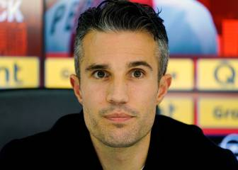 Van Persie ponders football future despite cup success