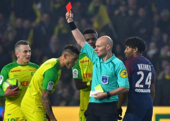 Ligue 1 referee award cancelled after disgraced Chapron wins vote