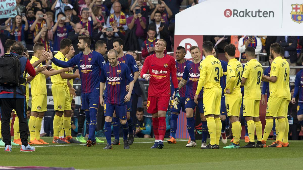 Villarreal give Barcelona 'belated' guard of honour