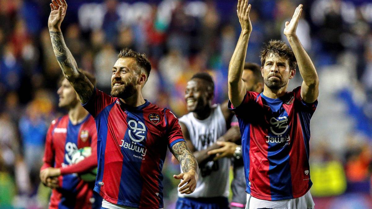 Levante players celebrate their 5-4 win over FC Barcelona in LaLiga Santander