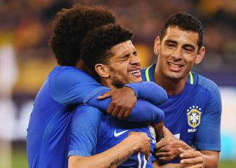 Taison and Fagner join Neymar in Brazil squad