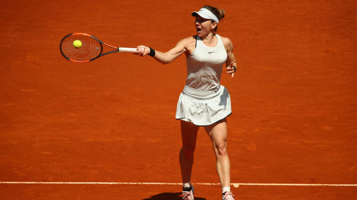 Halep romps to Osaka rout in Rome