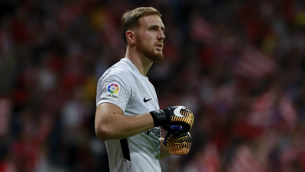 Atletico want to increase Oblak release clause