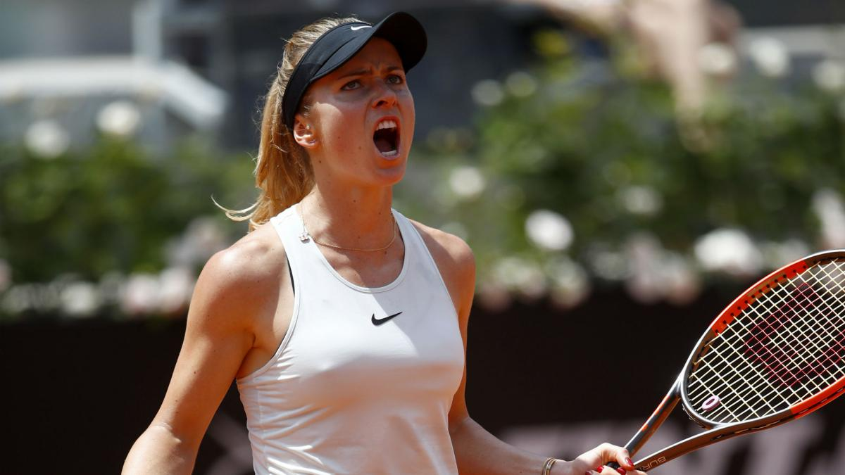 Dominant Svitolina retains in Rome as Halep sustains injury scare