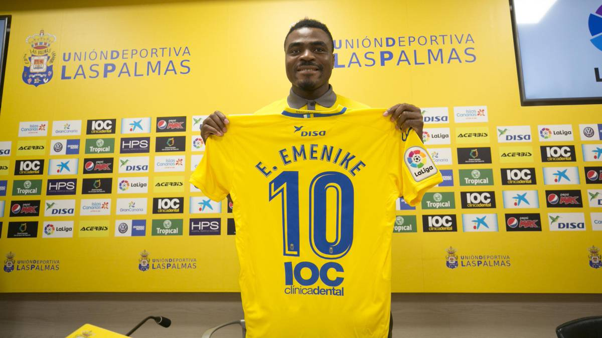 Emenike quits Las Palmas without playing a single minute