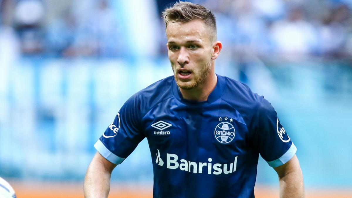 Arthur will not join Barcelona before December, Gremio insist