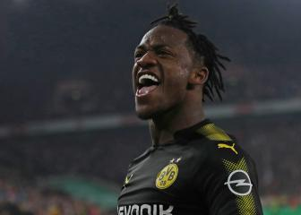Batshuayi puts off Chelsea plans until after World Cup