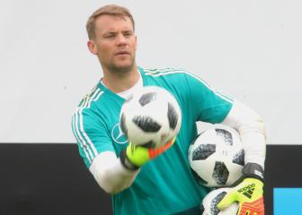 Neuer will not travel to Russia to sit on the bench - Löw