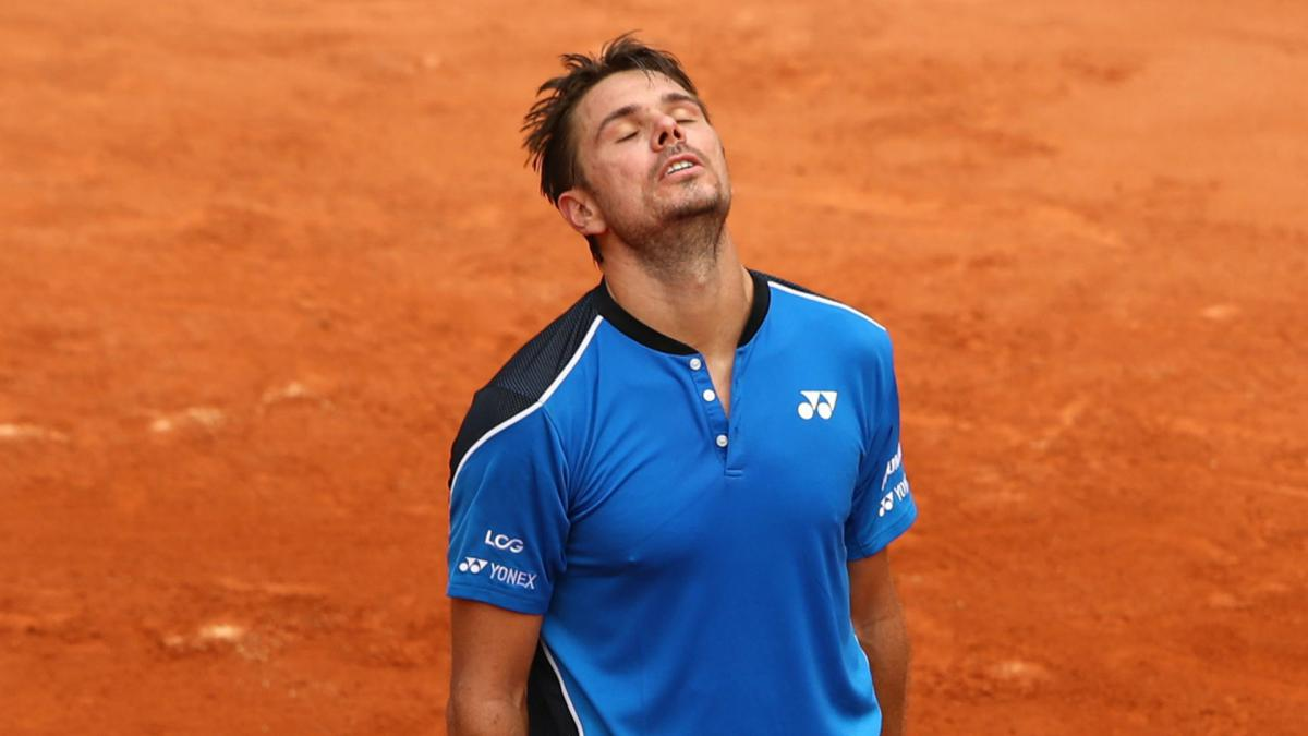 Wawrinka out in Paris as knee trouble continues