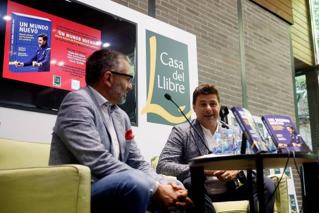 Mauricio Pochettino at the book launch of his biography in Barcelona.