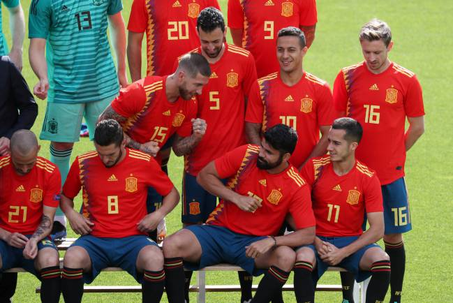 Back for the official team photo - Spain's Diego Costa and Sergio Ramos during the team photo.