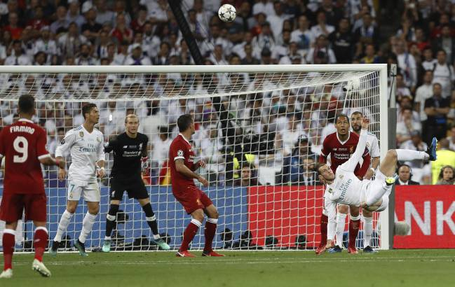 Real Madrid's Gareth Bale scores his team's second goal with an overhead kick.