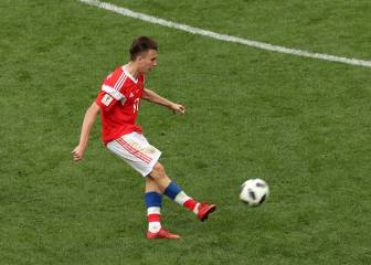 Golovin steals the show as Russia hammer Saudi Arabia in World Cup opener