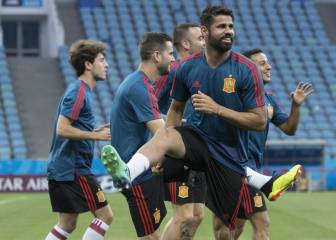 Diego Costa starts up front for Spain