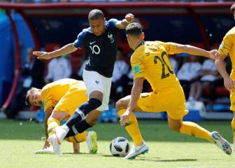 Telstar 18 balls burst during France - Australia