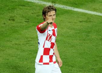 Croatia see off lacklustre Nigeria and go top of Group D