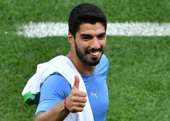 Suárez announces wife's pregnancy after sending Uruguay into last 16