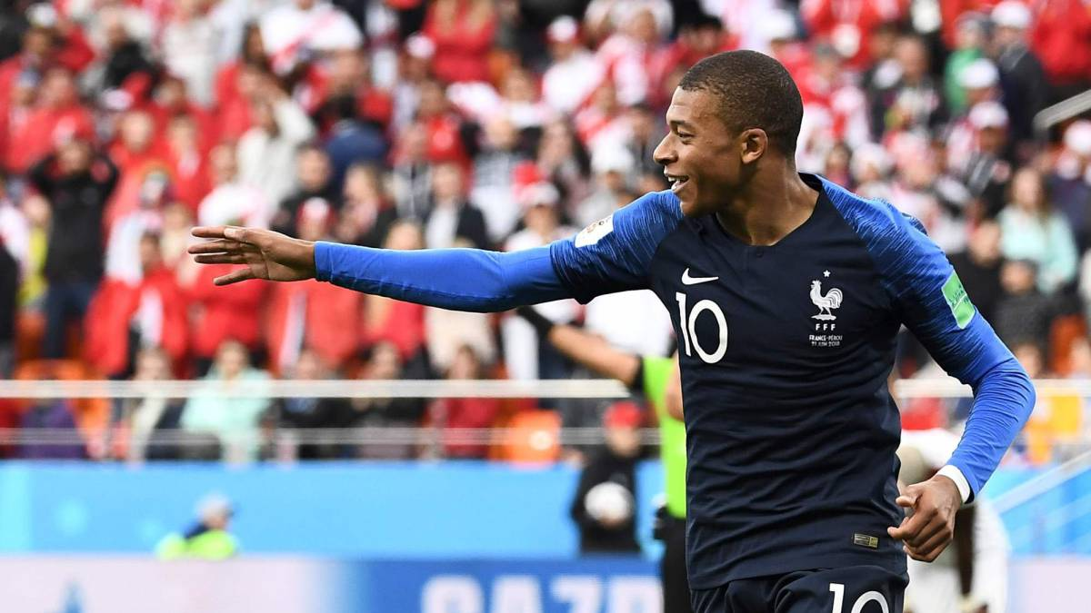 France knock Peru out of World Cup with underwhelming win