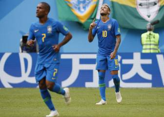 Brazil leave it late with two injury time goals