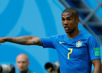 Douglas Costa out of Serbia clash with hamstring injury