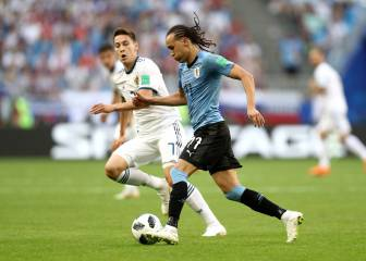 Uruguay finish top after handing Russia a hiding