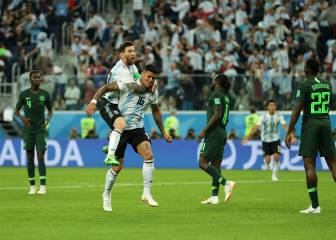 Argentina still alive after Rojo rocket at the death