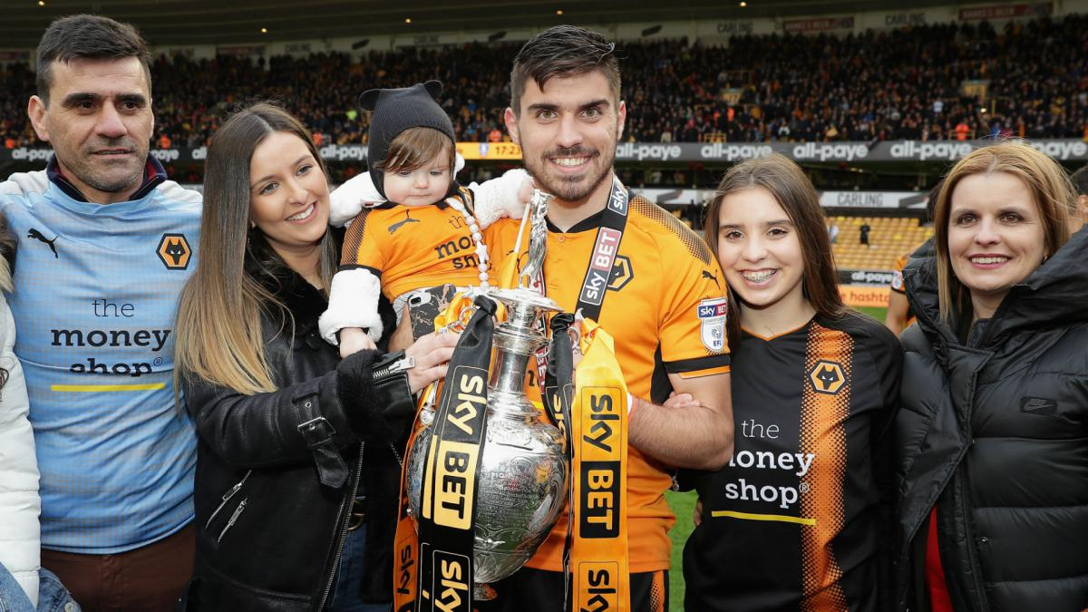 Neves signs five-year Wolves deal