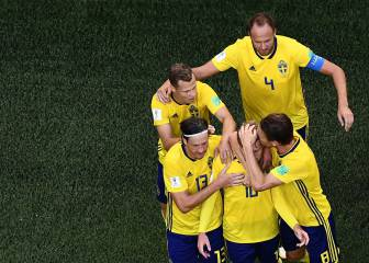 Forsberg strikes helps Sweden see off Switzerland