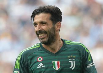 Buffon joins PSG on free transfer
