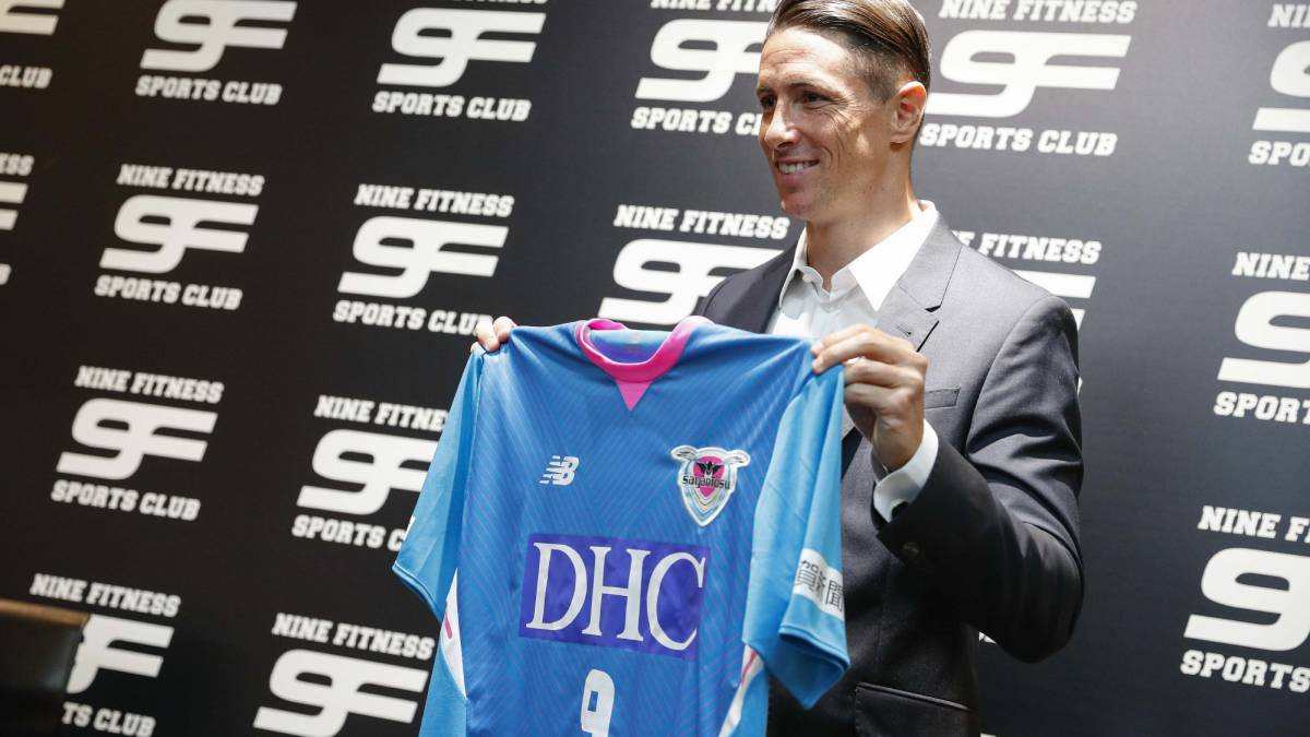 Sagan Tosu: Torres confirms move to Japan