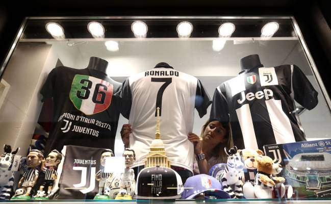 save off 56819 a025f Juventus online store down due to stampede for Cristiano ...