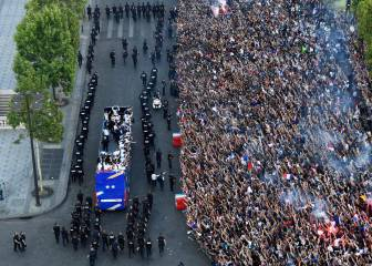 World Cup winners France return home to hero's welcome