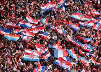 Half a million people pack Zagreb to welcome Croatian team