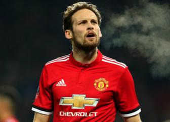 Daley Blind completes Ajax return from Manchester United