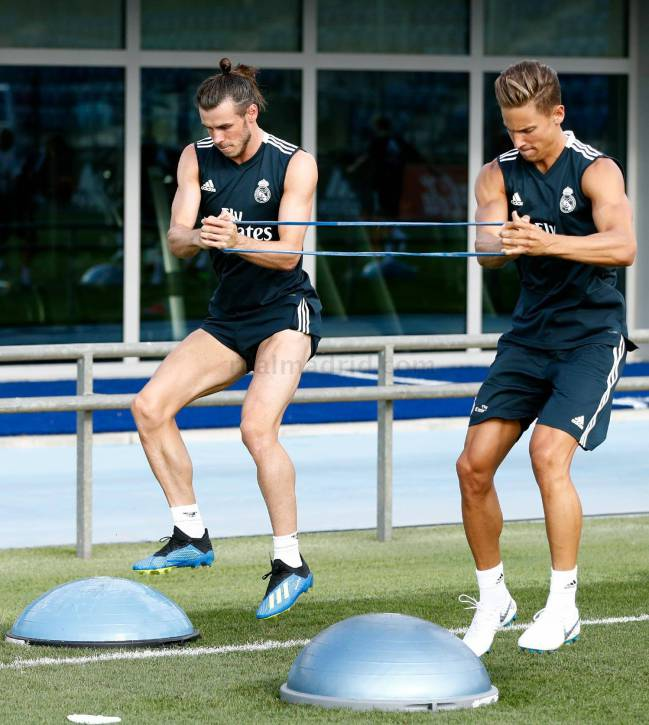 Marcos Llorente works out with Gareth Bale as Real Madrid get ready for their trip to the USA.