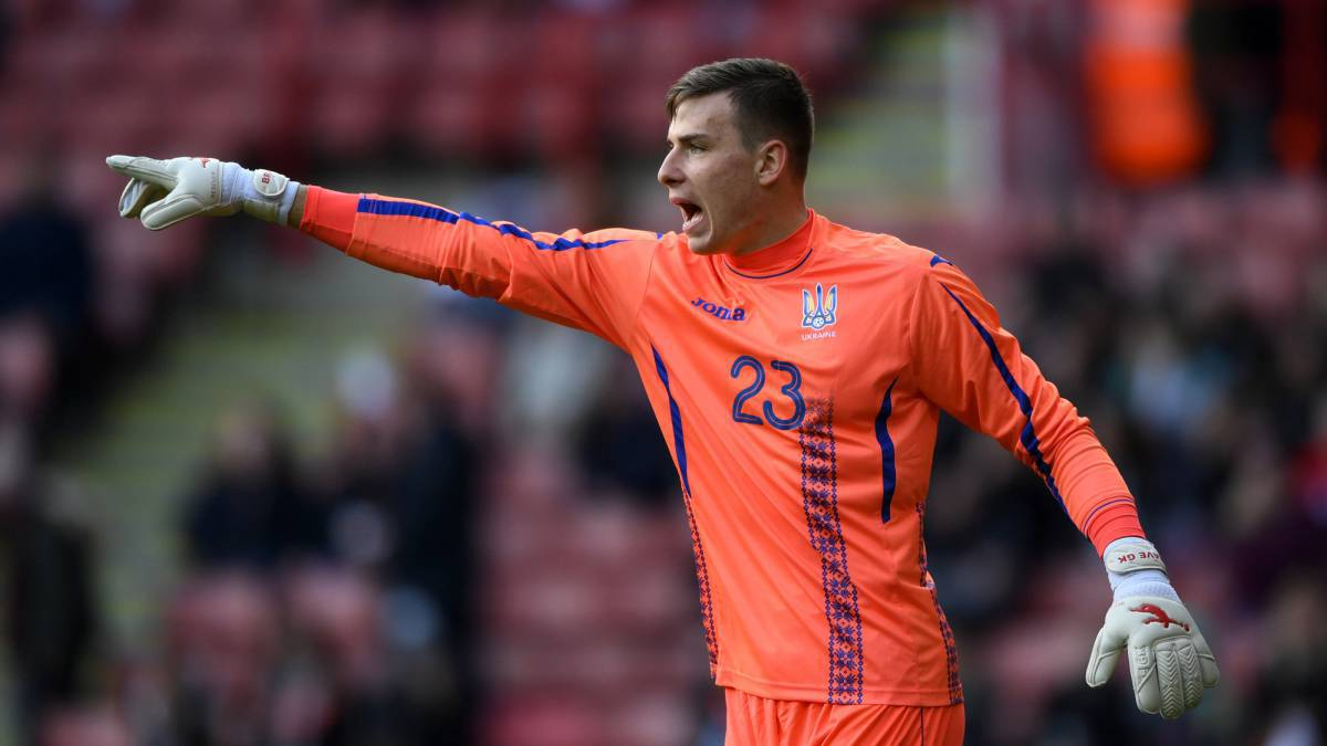 Real Madrid round-up: Lunin, Maguire, James, Benzema,