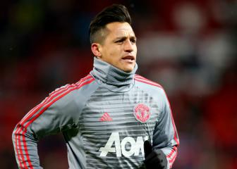 Alexis Sánchez joins United tour in LA after visa issues