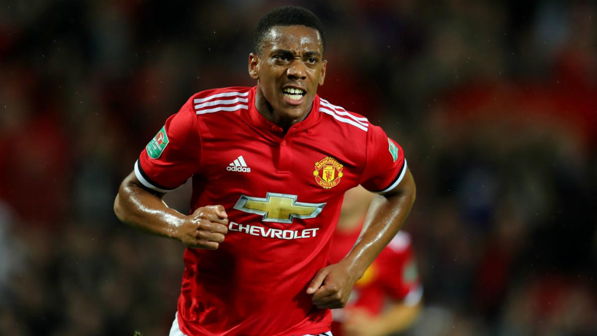 "Manchester United: Martial ""very focused"" at club - Herrera"