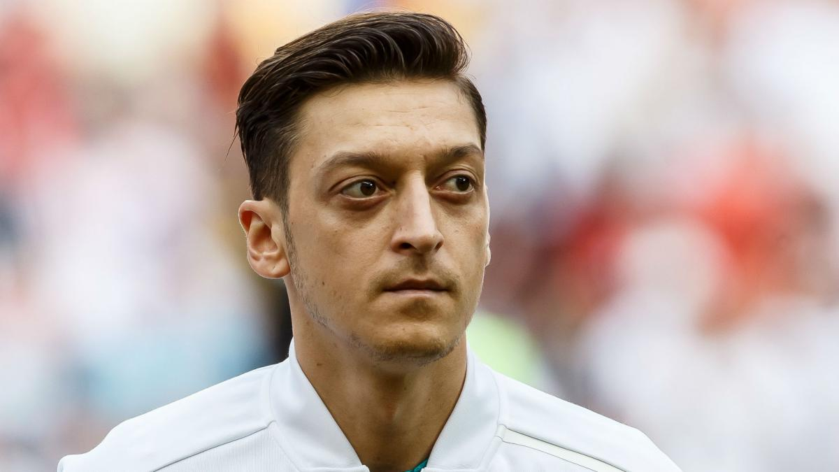Ozil's agent is creating fairytales - Rummenigge