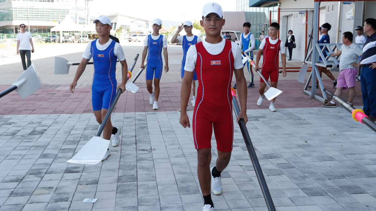 North Korean cross border for joint Asian Games training