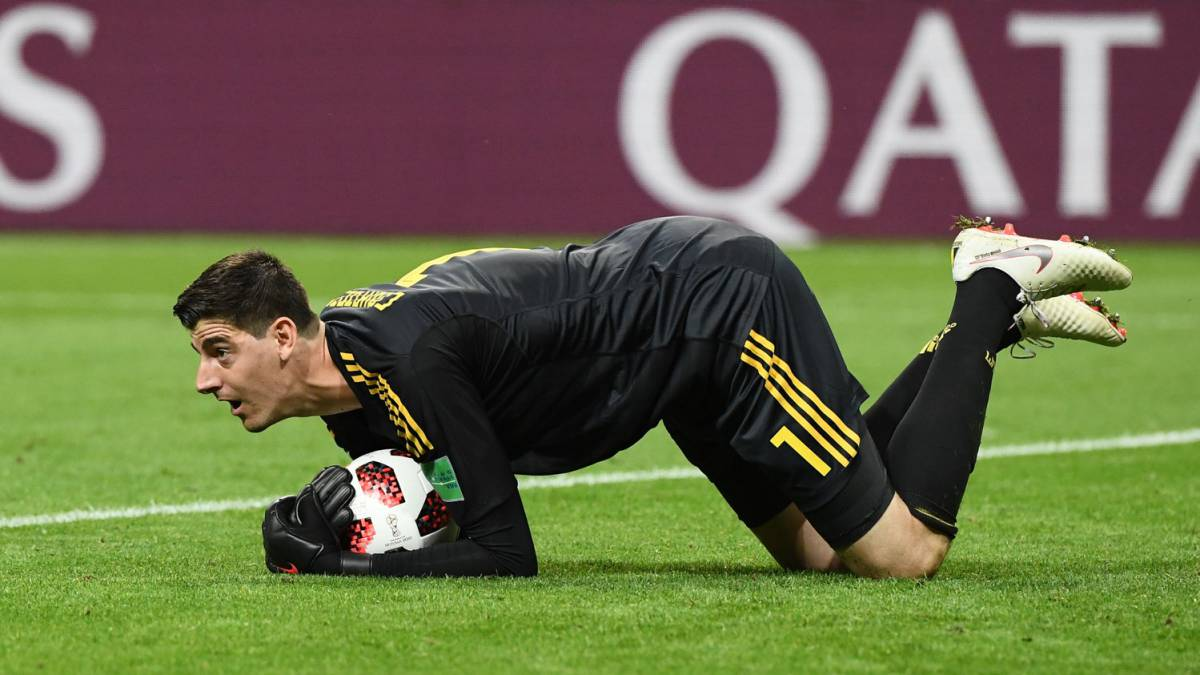 Real Madrid face race against time to tie up Courtois deal