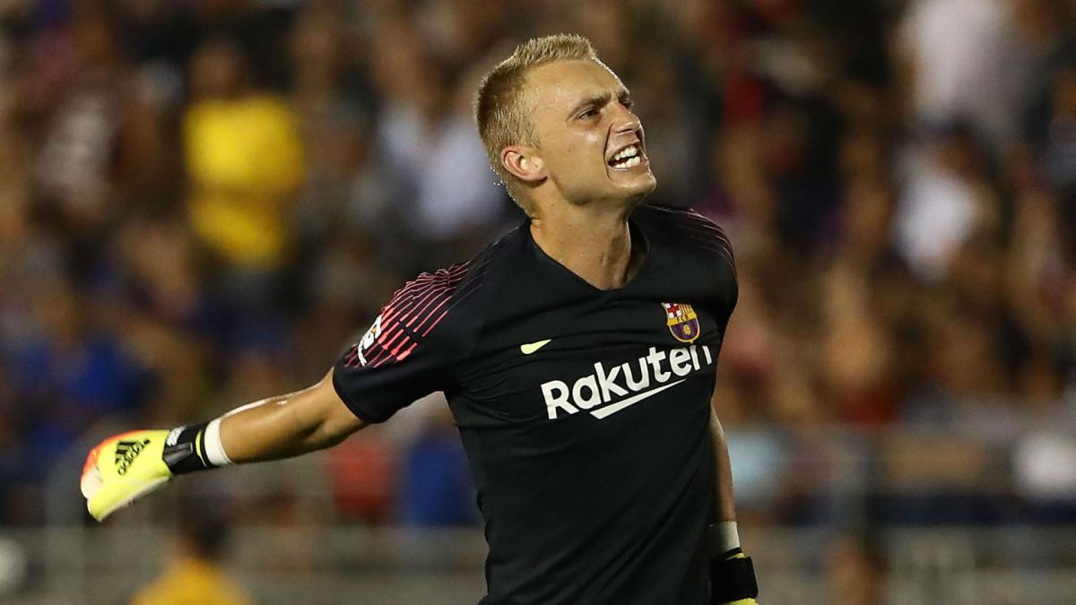Valverde wants Cillessen to stay at Barcelona