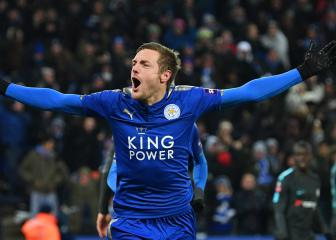 Vardy signs four-year Leicester City contract