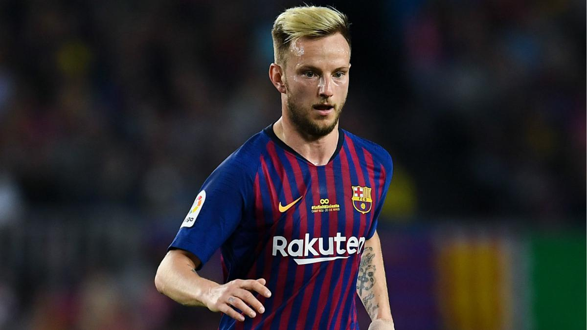 Rakitic confirms he will stay at Barcelona