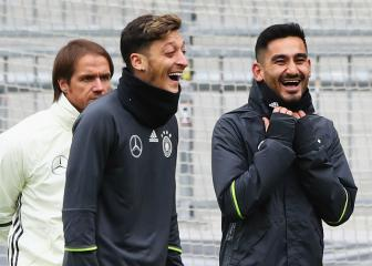 Gundogan sympathises with Ozil but won't retire from Germany duty