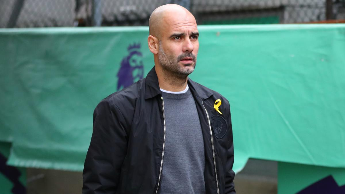 Guardiola holds up Jarrod Lyle gesture to rally support for yellow ribbon movement