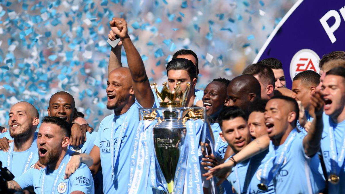 Manchester City break £500m revenue barrier