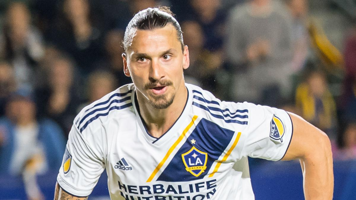 Beckham congratulates Ibrahimovic: 500 goals! That makes you really, really old