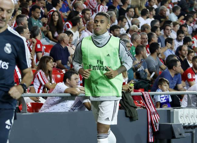 Mariano | awaiting his turn.